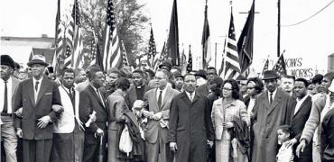 King leads marchers from Selma to Montgomery, March 1965